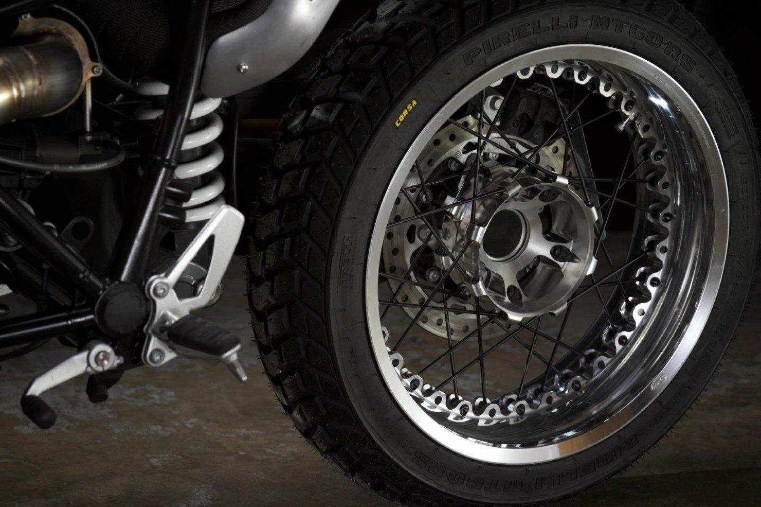 BMW-R-nineT-1
