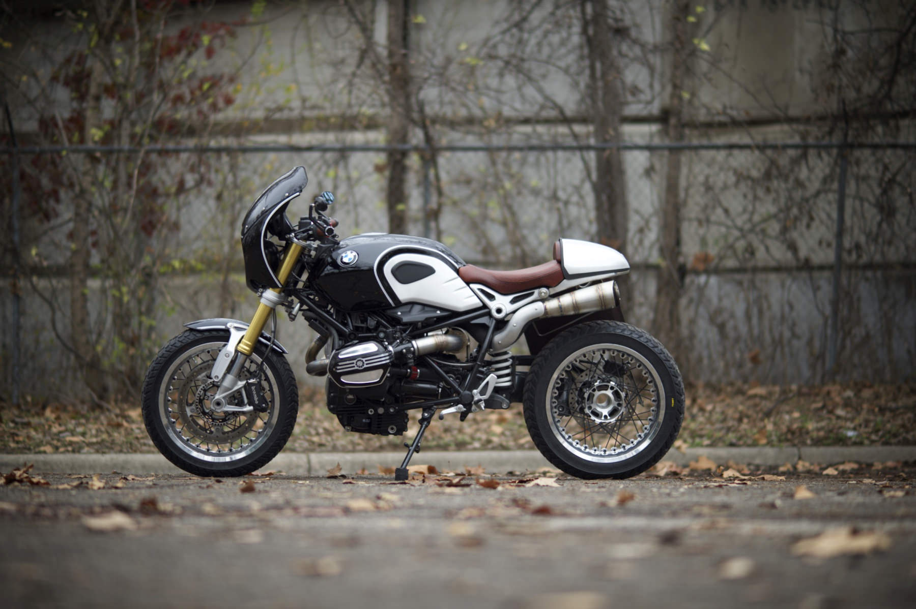 bmw r ninet by revival cycles. Black Bedroom Furniture Sets. Home Design Ideas