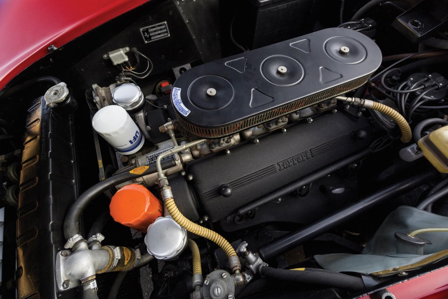 Ferrari-275-GTB-18