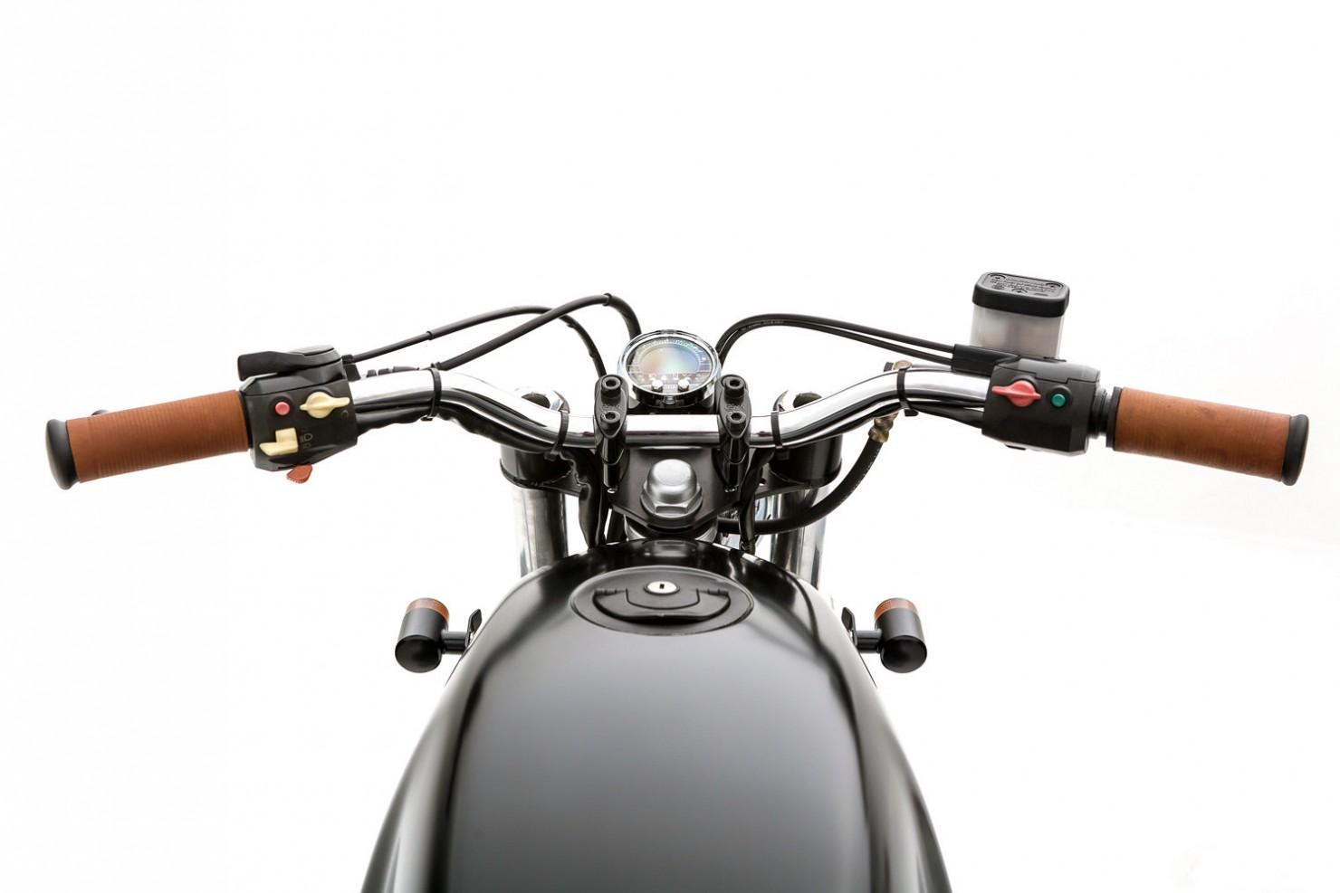BMW-R65-Motorcycle-5