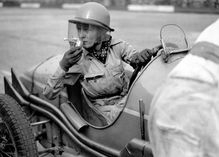 Doreen-Evans-taking-a-refreshment.-1936
