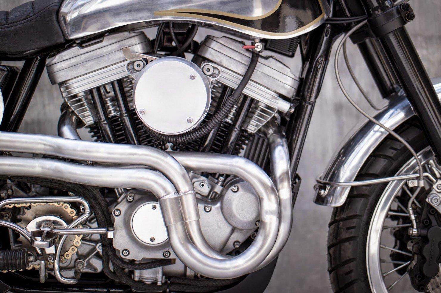Harley-Davidson-Scrambler-Motorcycle-23
