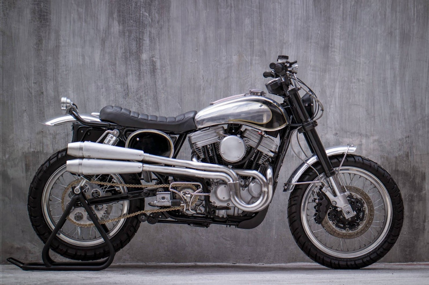 Harley-Davidson-Scrambler-Motorcycle-9