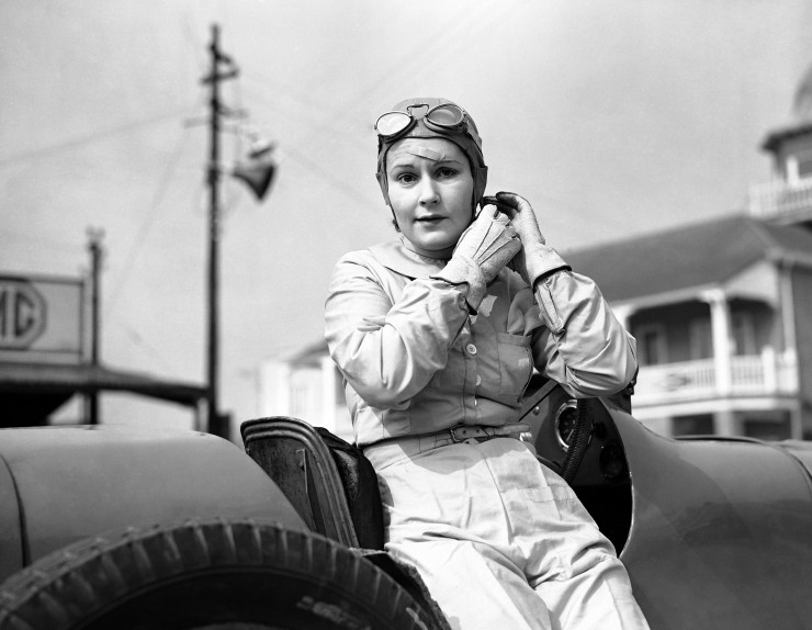 Kay-Petre-returned-to-the-Brooklands-racing-track-for-the-first-time-since-her-accident-in-September-when-she-appeared-in-a-supercharged-Riley-car-March-1938