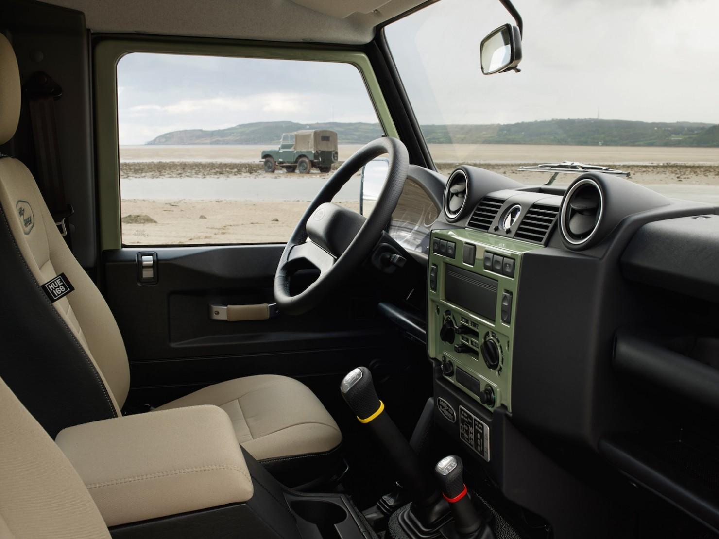 Land-Rover-Defender-Heritage-13