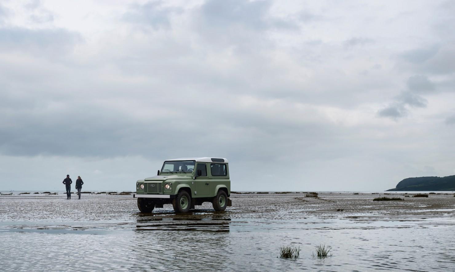 Land-Rover-Defender-Heritage-2