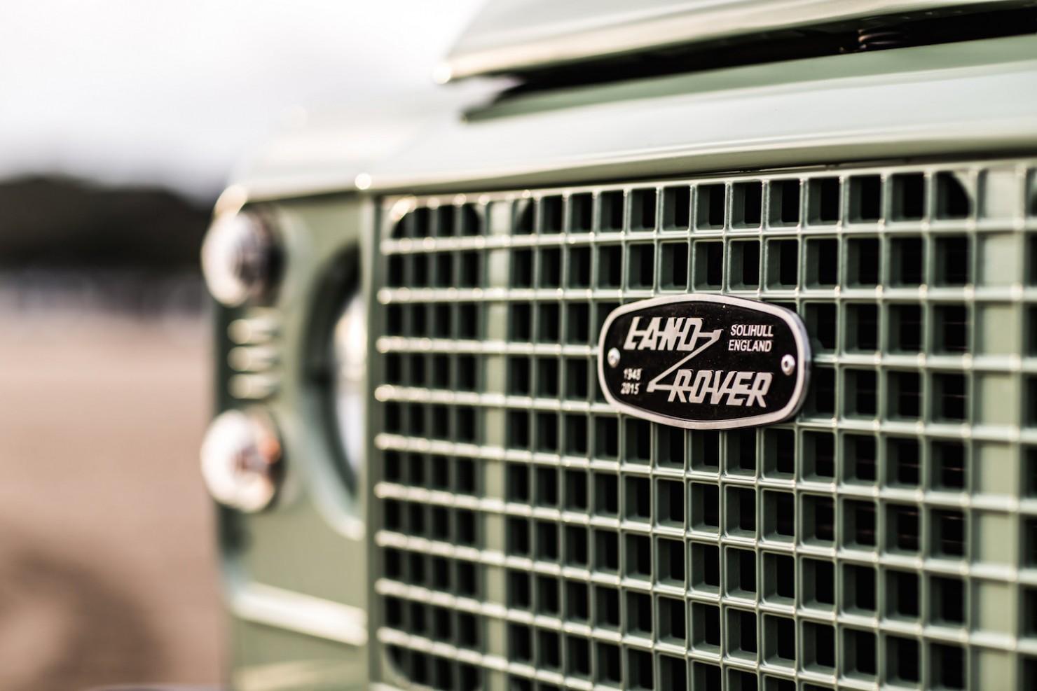 Land-Rover-Defender-Heritage-4
