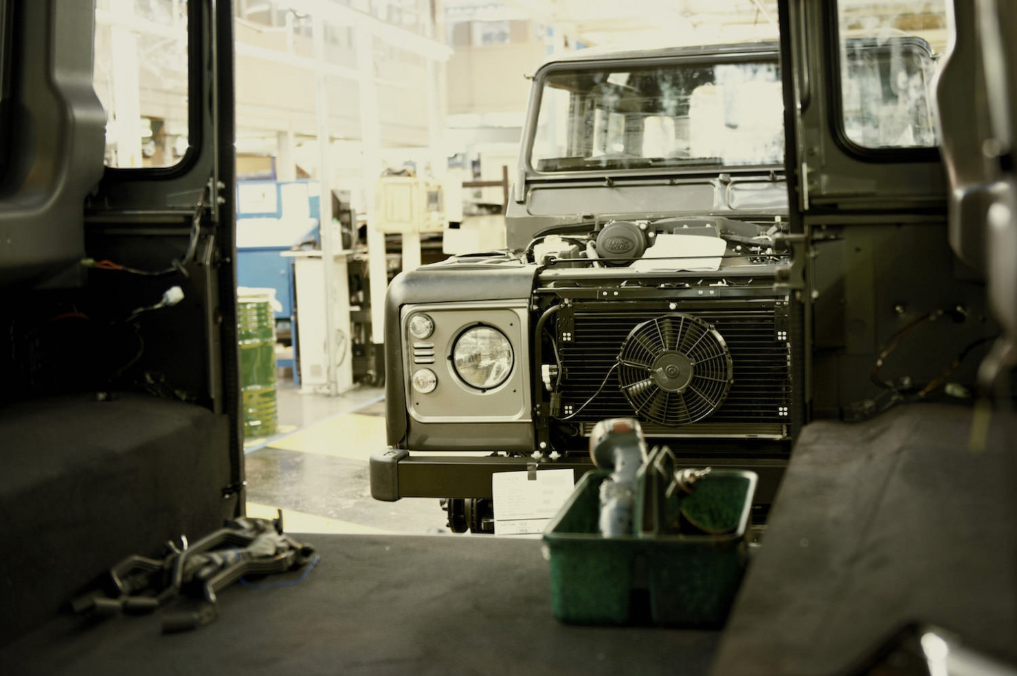 Land-Rover-Factory-1