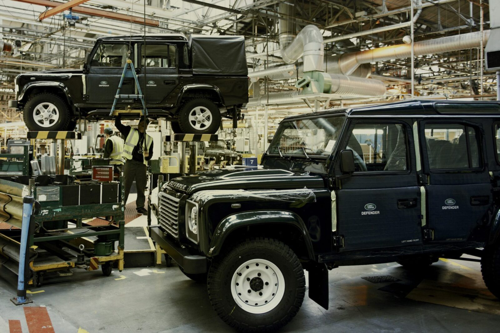 Land Rover Factory 12 1600x1065 - A Last Look At The Land Rover Defender Production Line
