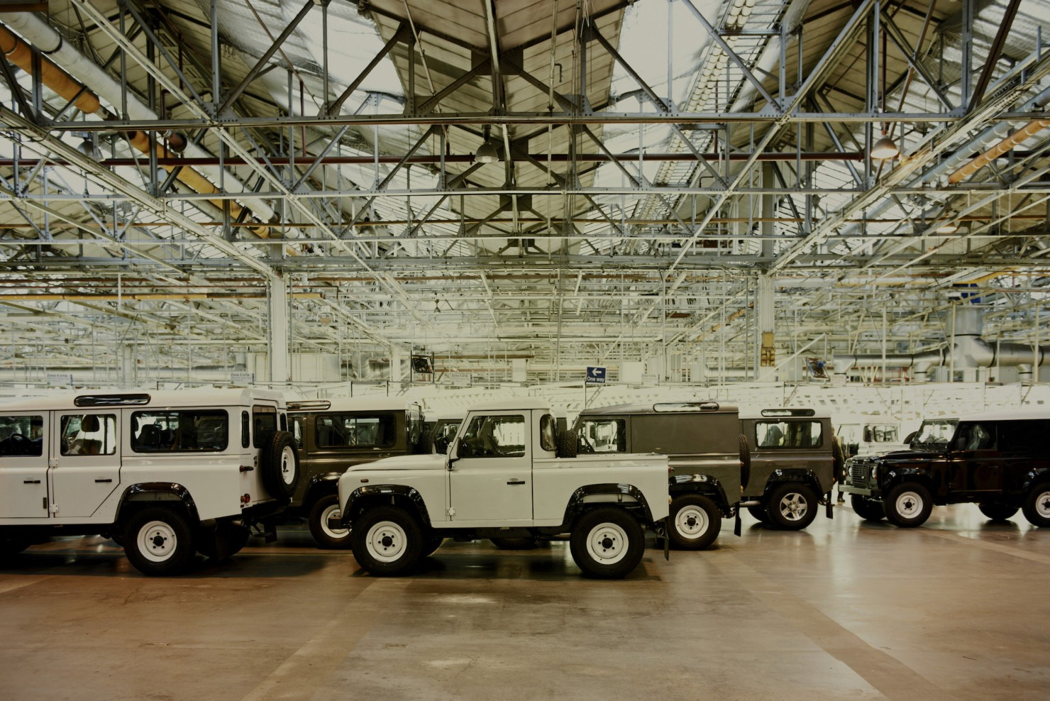 Land-Rover-Factory-15