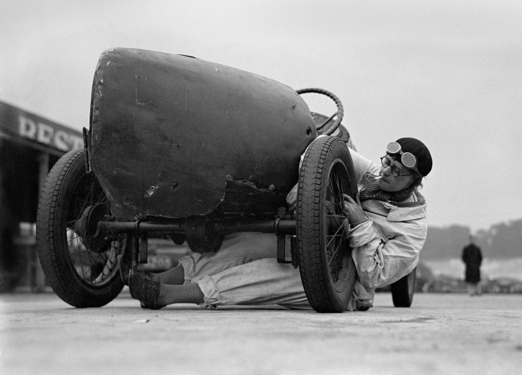 Miss J Alwynne, a motor mechanic at Brooklands race course, July 1931.