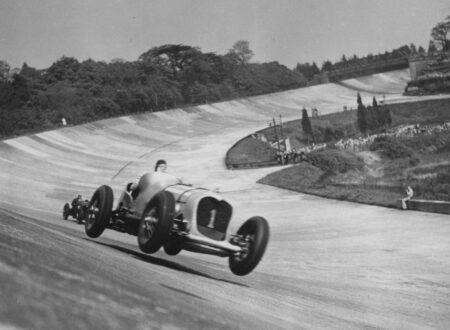 Race At Brooklands 3 450x330 - Car Race At Brooklands - 1928