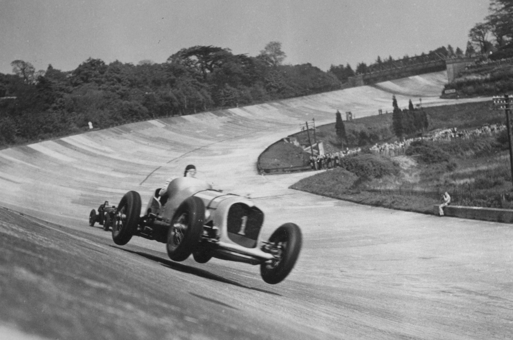 Car Race At Brooklands - 1928