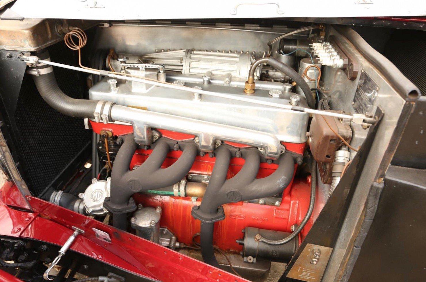 Vintage-MG-Racing-Car-12