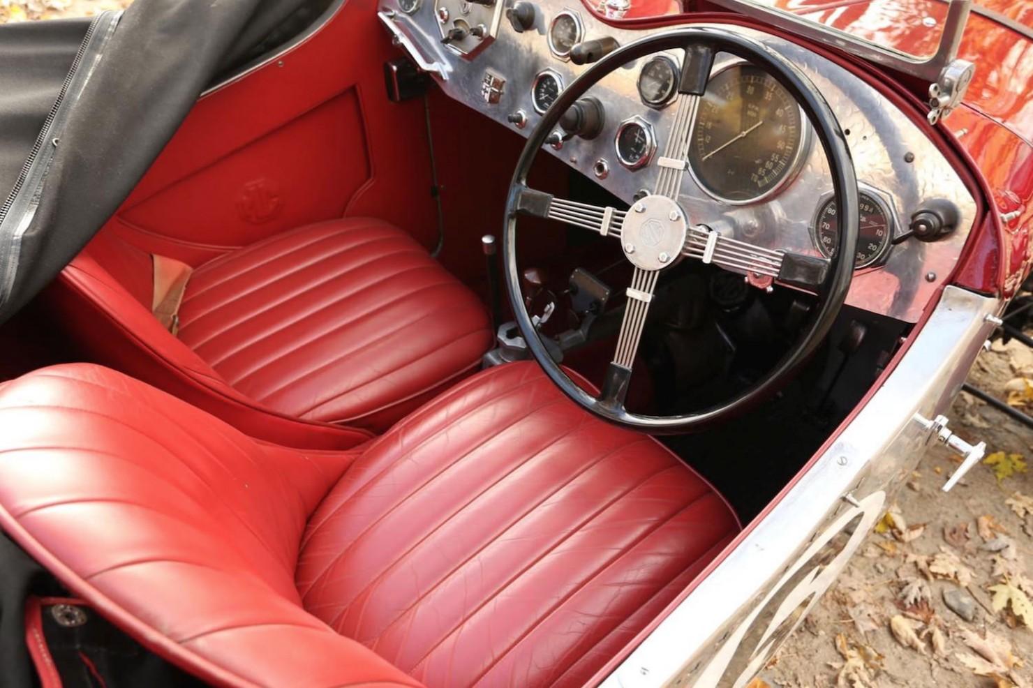 Vintage-MG-Racing-Car-14