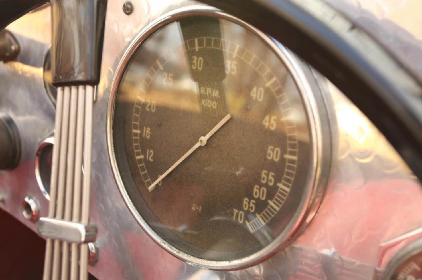 Vintage-MG-Racing-Car-15