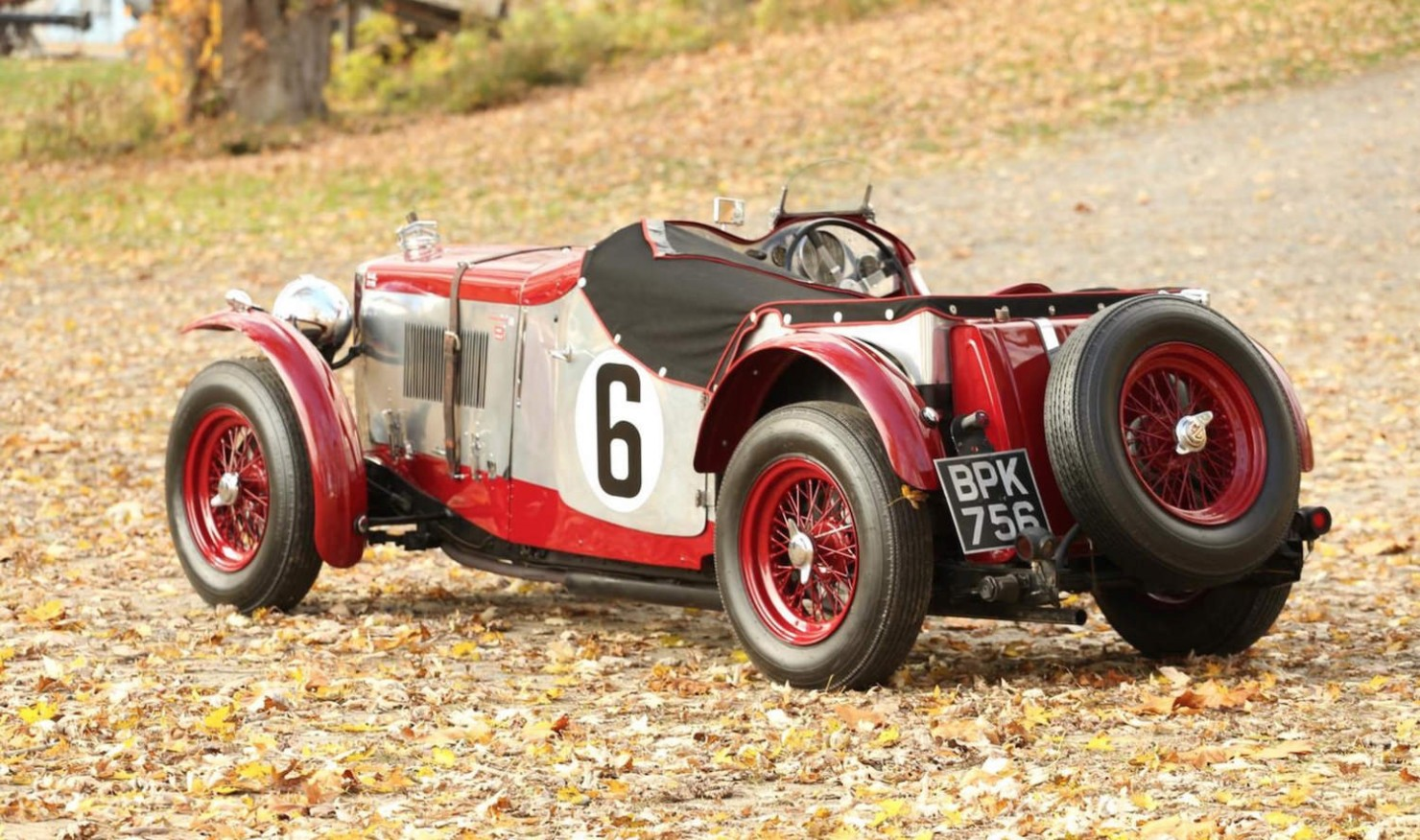 Vintage-MG-Racing-Car-3