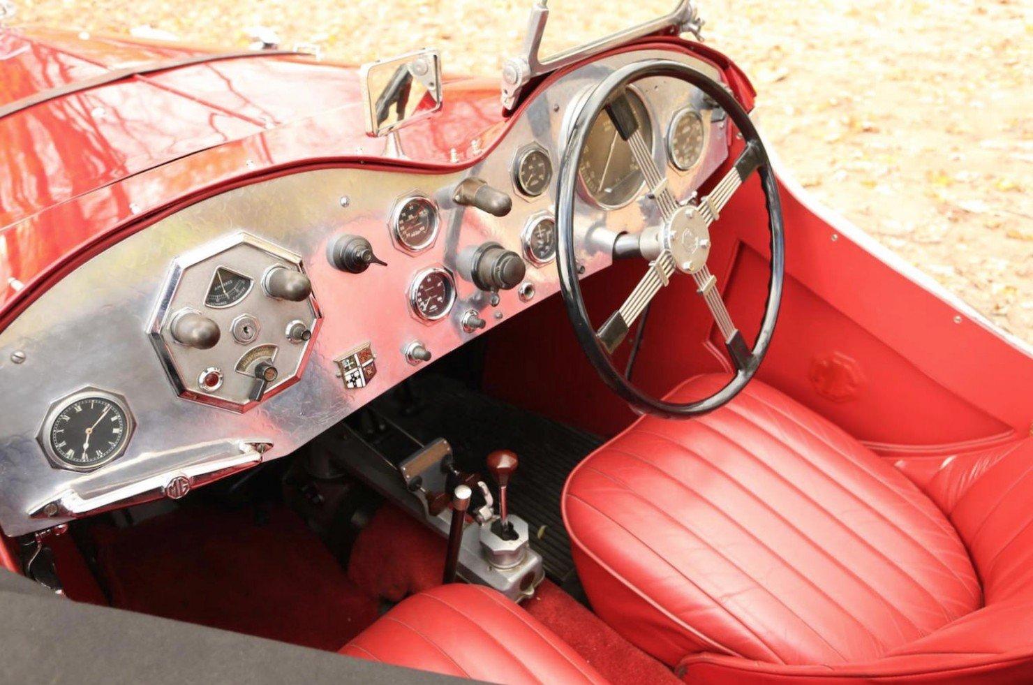 Vintage-MG-Racing-Car-9