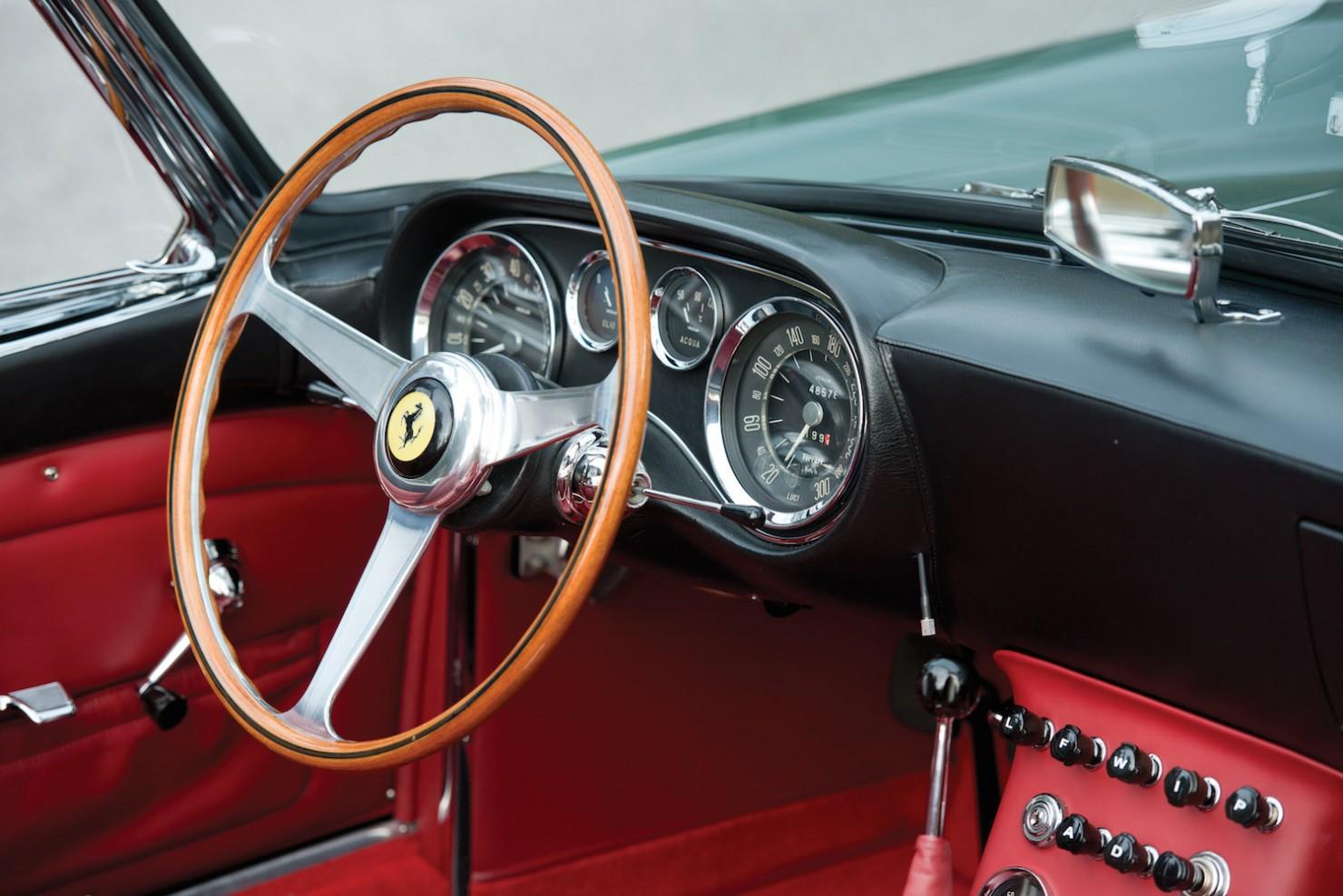 Ferrari-400-Superamerica-18