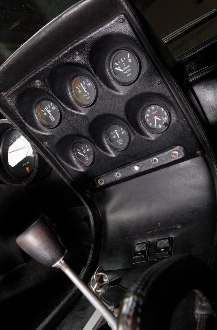 Lamborghini-Miura-12