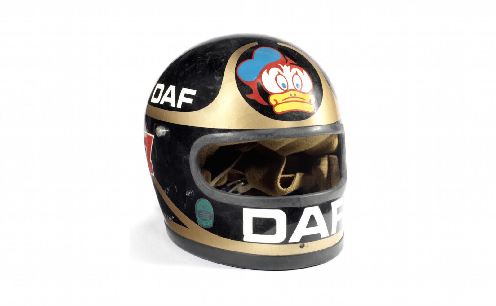Vintage Bell Helmet 1600x988 - Barry Sheene's Bell Helmet