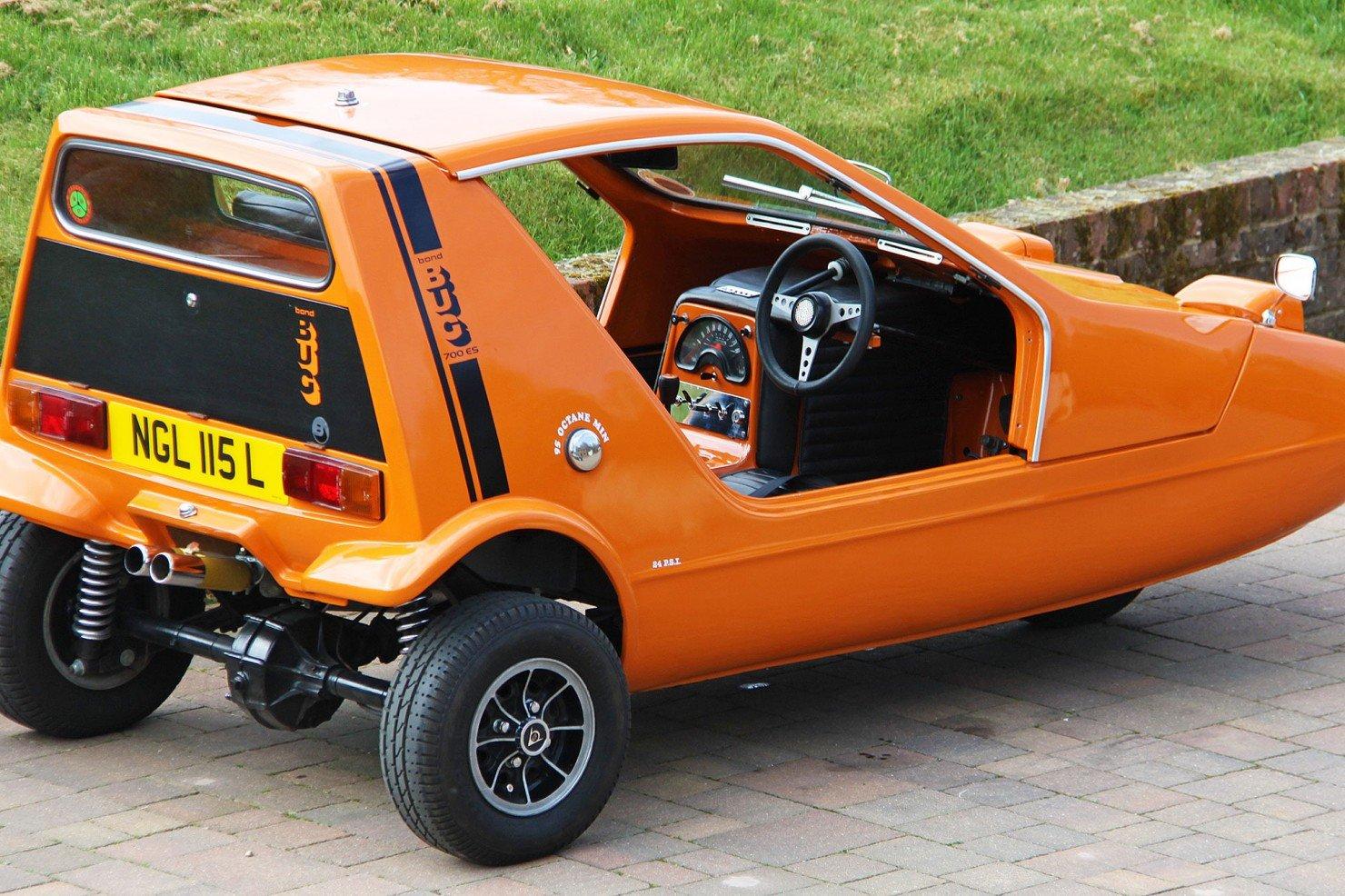 Bond-Bug-2