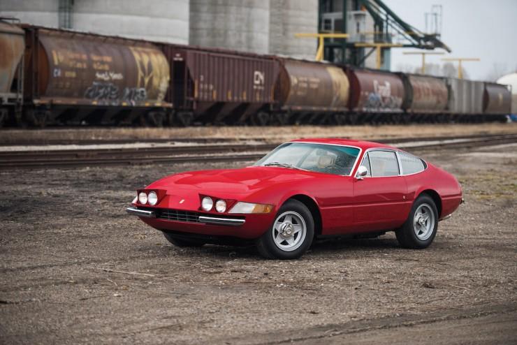 Ferrari-Daytona-Car-26