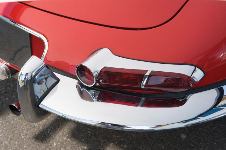 Jaguar-E-Type-Series-1-13