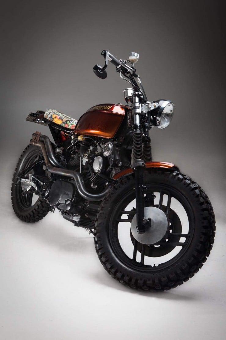 Yamaha-XV750-12