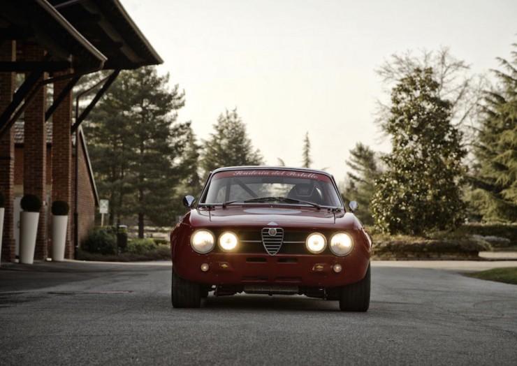 Alfa-Romeo-2000-GTAm-10