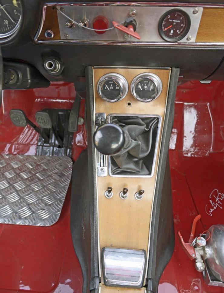 Alfa-Romeo-2000-GTAm-13