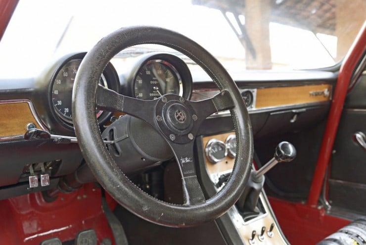 Alfa-Romeo-2000-GTAm-2