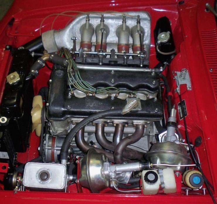 Alfa-Romeo-2000-GTAm-5