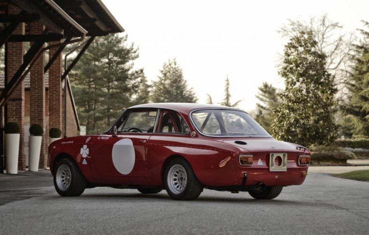 Alfa-Romeo-2000-GTAm-7