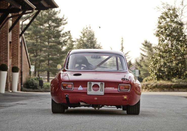 Alfa-Romeo-2000-GTAm-8