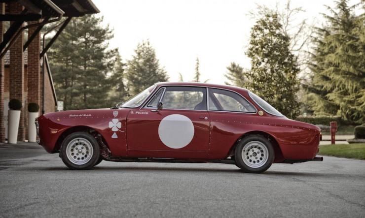 Alfa-Romeo-2000-GTAm-9