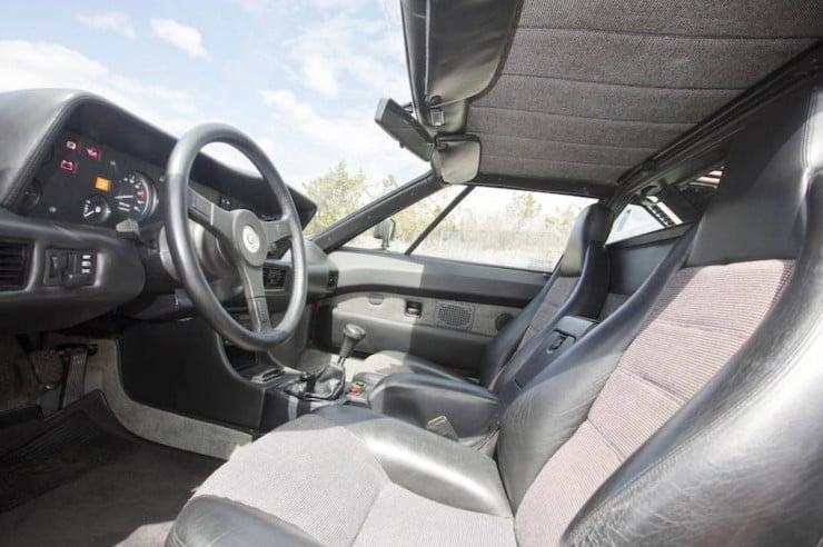 BMW-M1-Car-11