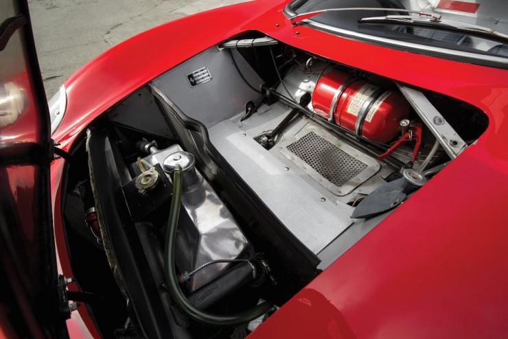 Ferrari-250-LM-32