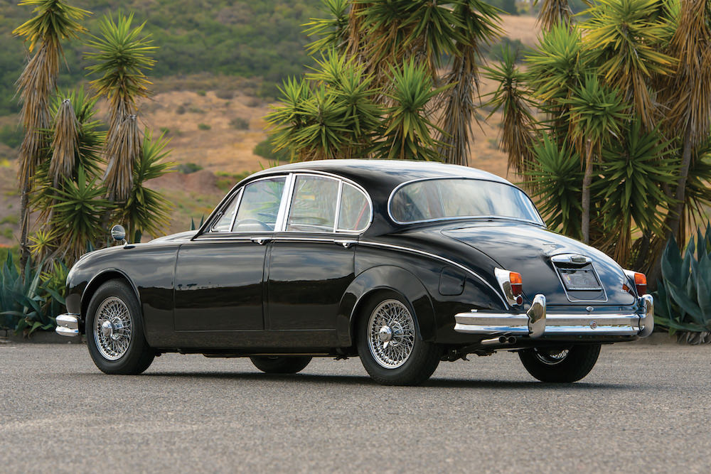 jaguar mark ii the original gentleman 39 s getaway car. Black Bedroom Furniture Sets. Home Design Ideas
