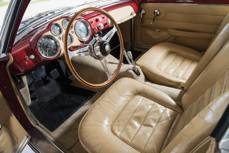 Jaguar-XK120-Car-4