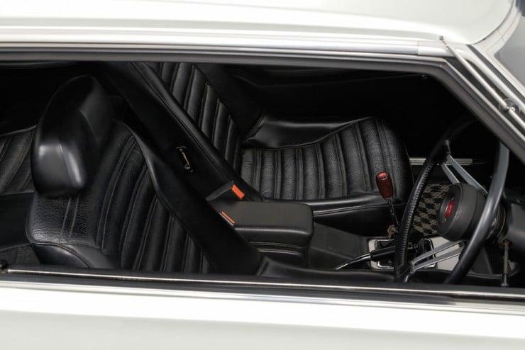 Nissan Skyline H:T 2000GT-R 22