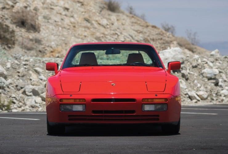 Porsche-944-Turbo-13