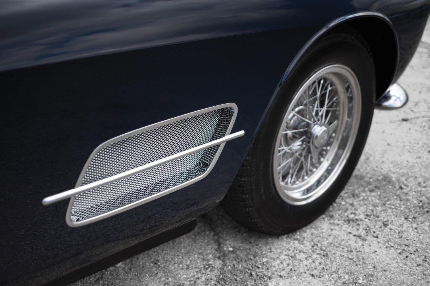 Ferrari-250-GT-10