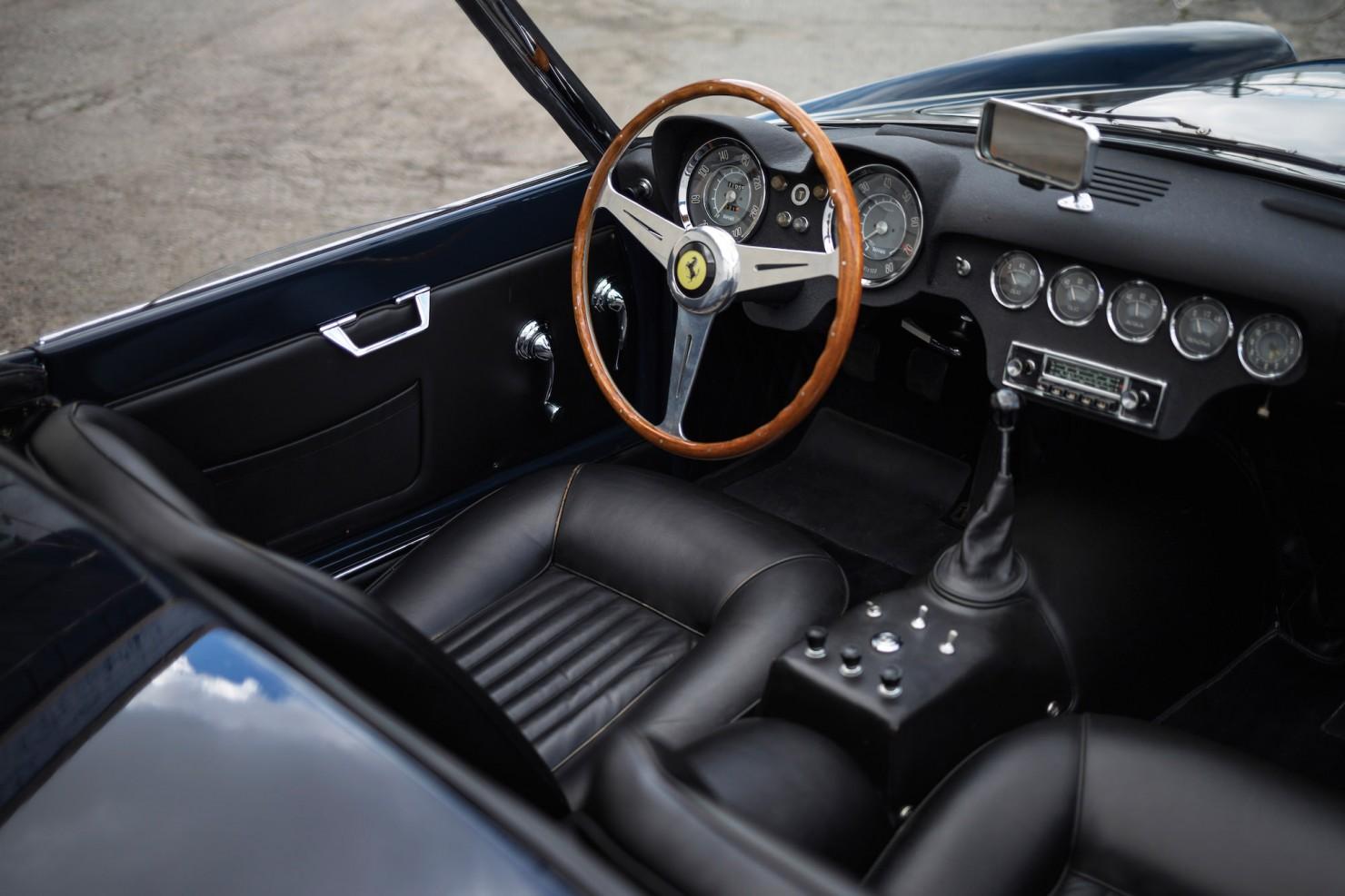 Ferrari-250-GT-14