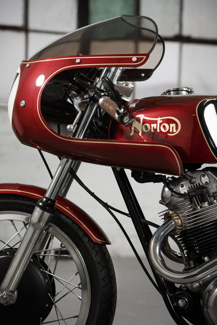 Norton Commando Motorbike 4