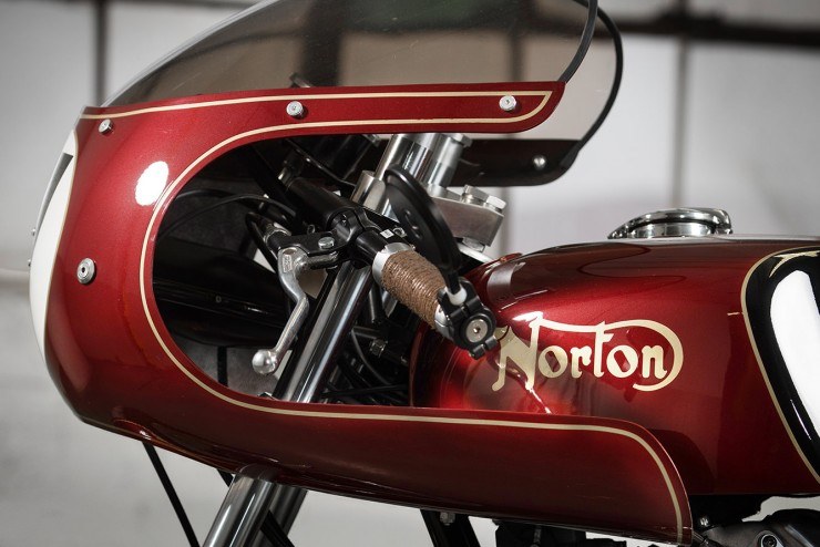 Norton Commando Motorbike 8