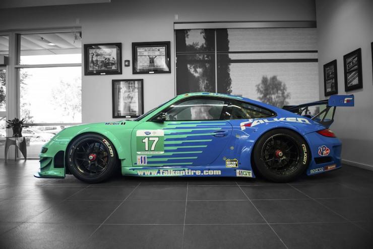 Porsche-911-RSR-15