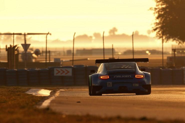 Porsche-911-RSR-4
