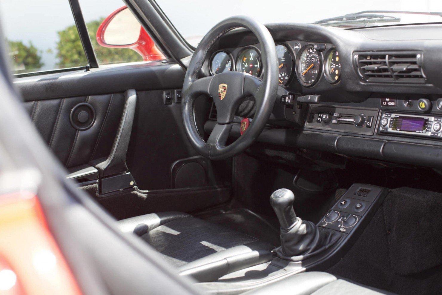 Porsche-959-6