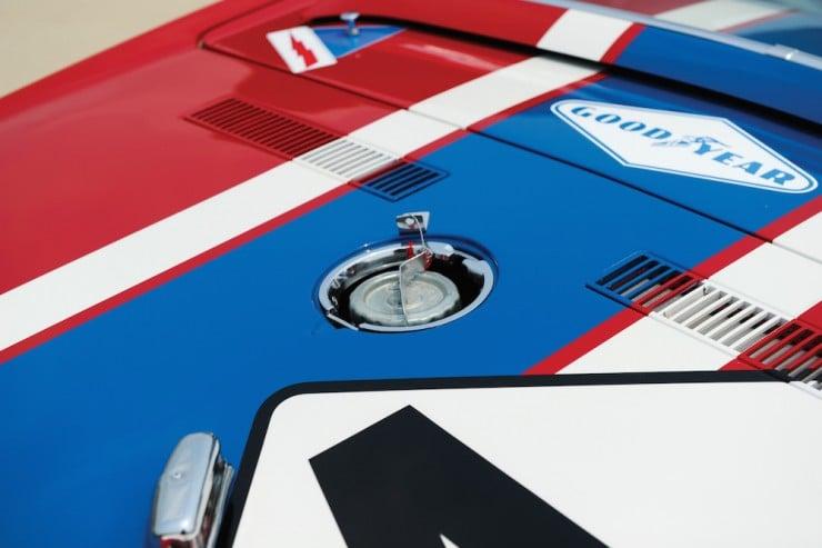 Chevrolet-Corvette-13